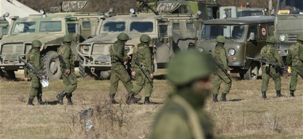 Τύμπανα πολέμου στην Κριμαία: Σε θέση μάχης στα σύνορα ο ουκρανικός στρατός