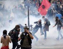 Ξύλο, μολότοφ και χημικά στο Παρίσι για τα εργασιακά