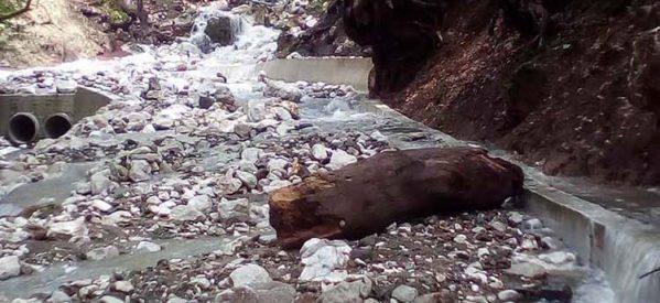 Τεράστιες ζημιές από τη θεομηνία στη Γλυκομηλιά Καλαμπάκας