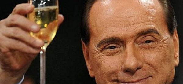 """Η πολυτάραχη ζωή του """"Καβαλιέρε"""" Σίλβιο Μπερλουσκόνι ετοιμάζεται να γίνεται ταινία!"""