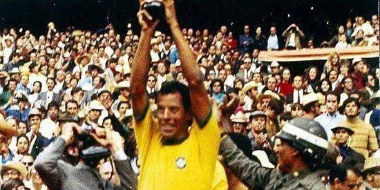 Κάρλος Αλμπέρτο: «Έσβησε» στα 72 του ο αφανής ηγέτης της Εθνικής Βραζιλίας