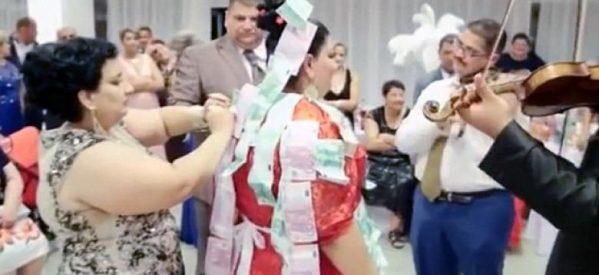 «Καρφίτσωσαν» τσιγγάνα νύφη με 200.000 ευρώ (Βίντεο)