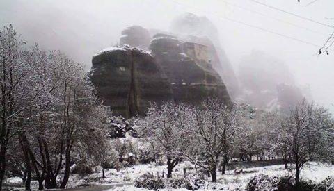 Χιόνια στην Καλαμπάκα και τα Μετέωρα