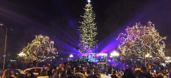 Φωταγωγήθηκε το χριστουγεννιάτικο δέντρο στα Τρίκαλα