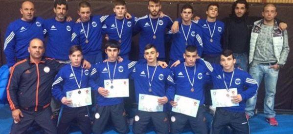 Με 10 μετάλλια στο  πρωτάθλημα πάλης οι αθλητές του ΑΠΣΤ