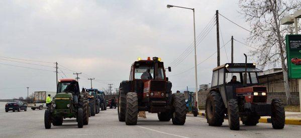 Οι χαμηλές τιμές στο βαμβάκι και το πετρέλαιο βγάζουν στο δρόμο τα τρακτέρ