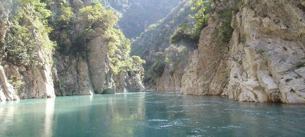 Αχελώος – Ο πατέρας όλων των ποταμών. Ο υπέροχος ποταμός, που λατρεύτηκε σαν θεός στην αρχαιότητα. Τον τιθάσευσε μόνο ο Ηρακλής…