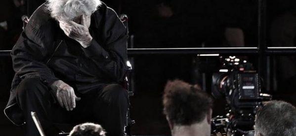 Κλαίνε για τον τόπο που χάθηκε,για τους ανθρώπους που σέρνονται σα σκιές,για τα παιδιά που φύγανε