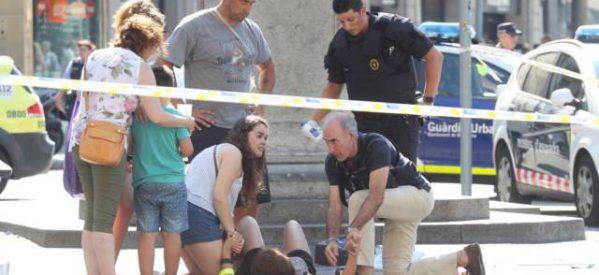Φορτηγό έπεσε σε πεζούς στην Ράμπλας στη Βαρκελώνη – Τέσσερις νεκροί και πολλοί τραυματίες