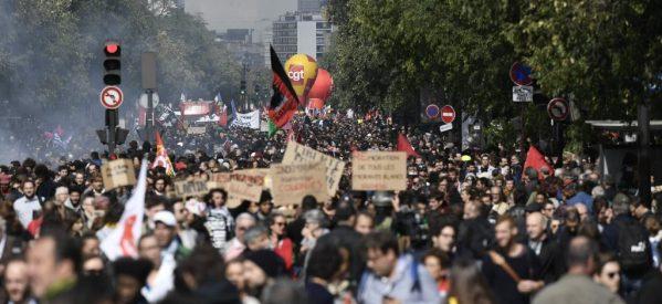 «Παρέλυσε» ο δημόσιος τομέας στη Γαλλία – Στους δρόμους πάνω από 400.000 διαδηλωτές