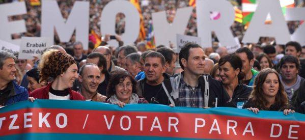 «Μία ανάσα» από το καταλανικό δημοψήφισμα – Η Μαδρίτη επιμένει ότι δεν θα διεξαχθεί