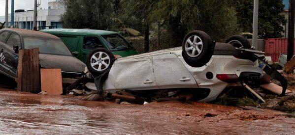Δέκα πέντε [ 15 ]  οι  νεκροί στη Δυτ. Αττική από την κακοκαιρία – Εγκλωβισμένοι οδηγοί, πλημμύρισαν Μάνδρα, Μαγούλα, Νέα Πέραμος