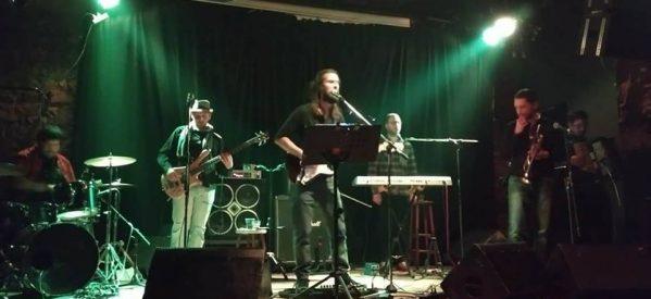 """Συναυλία """"Χάρης Καραμπέρης BAND"""" και """"Γιώργος Βαλιάκας & Ιδανικοί"""" στο Ανδρομέδα Μουσικό Στέκι στα Τρίκαλα στις 24 Φεβρουαρίου."""