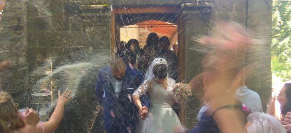 Ο «παραμυθένιος γάμος»  της Σοφίας Μπουσιοπούλου και του Βασίλη Κολιού  στην πανέμορφη Ανθούσα