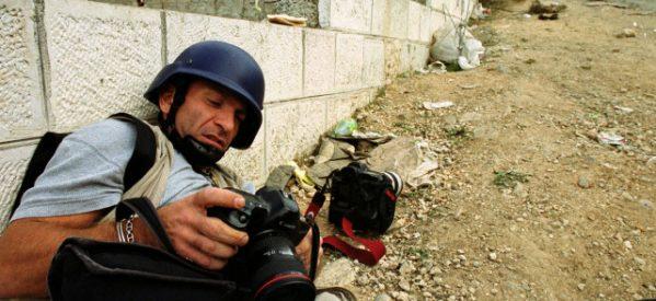 Πέθανε ο πολυβραβευμένος φωτορεπόρτερ Γιάννης Μπεχράκης
