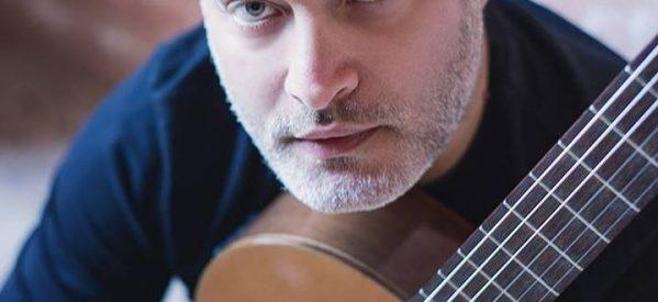 O Παναγιώτης Μάργαρης στα Τρίκαλα «Με τη μαγεία της κλασικής κιθάρας»