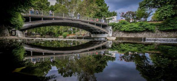 Τρίκαλα – Καταπληκτική αντανάκλαση της γέφυρας