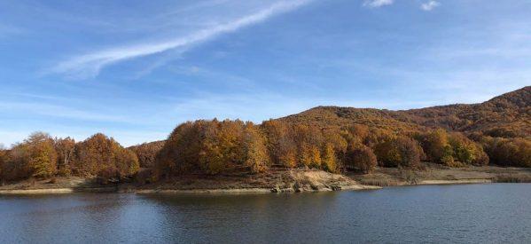 45 λεπτά από τα Τρίκαλα – Ουτε Ελβετία , ούτε Καναδάς. Είναι η λίμνη Λογγά
