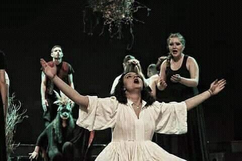 Το καινούριο ταξίδι της Ολυμπίας Μπουλογεώργου  – Θέατρο μέσω τηλεργασίας; Η  πρωτοετής της δραματικής σχολής του Εθνικού εξηγεί