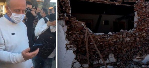 Ο Διευθυντής του σχολείου στο Δαμάσι έσωσε τους 63 μαθητές του – Τηλεφωνική επικοινωνία με τον πρωθυπουργό