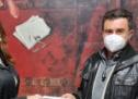 Παπακώστα με δωροεπιταγές Σκλαβενίτη στις σεισμόπληκτες περιοχές