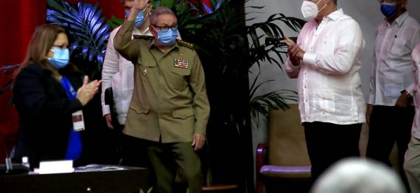 Τέλος εποχής στην Κούβα- Παραιτείται ο Ραούλ Κάστρο