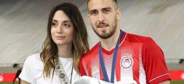 Παντρεύτηκαν  με πολιτικό γάμο ο Κώστας Φορτούνης και η Ιωάννα Καταραχιά