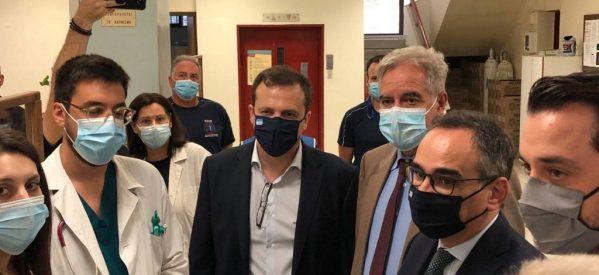Ο αναπληρωτής υπουργός Υγείας Β. Κοντοζαμάνης επισκέφτηκε το νοσοκομείο Τρικάλων