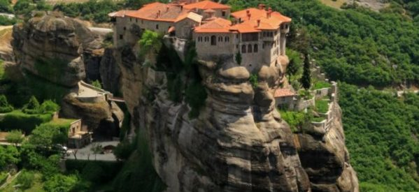 Μονή Βαρλαάμ: Το μοναστήρι που ισορροπεί ανάμεσα σε Γη και Ουρανό