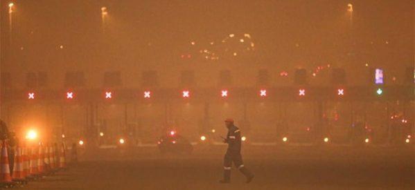 Μαλακάσα: Οι φλόγες πέρασαν την εθνική προς Ωρωπό – Αίτημα να εκκενωθεί το Μαρκόπουλο