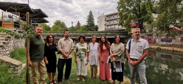 Τρίκαλα: Έκθεση εικαστικών στις όχθες του ποταμού Ληθαίου