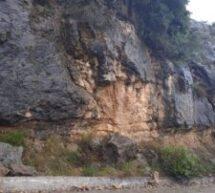 Προσοχή, βρέχει βράχους στο Κόρποβο